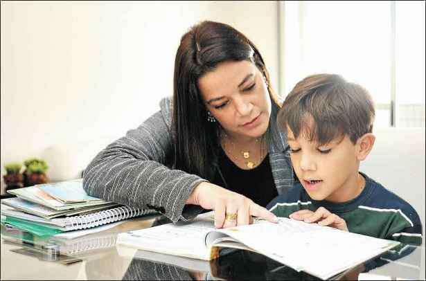 Lado a lado com os filhos nos estudos